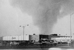 tornado1a.jpg